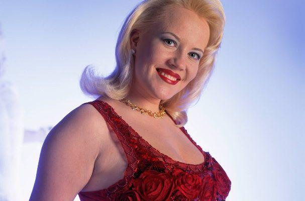 Taina Kokkonen on vuoden 1999 kuningatar, kuva Otavamedian arkisto