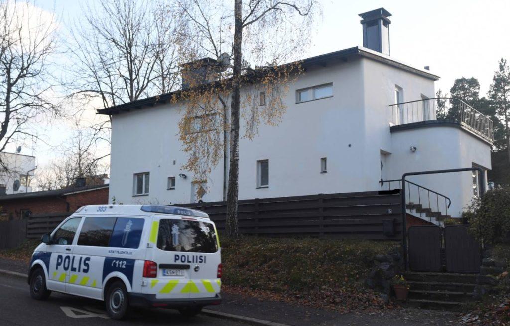 Ministeri Pekka Haaviston asunto. Ja valvova silmä.