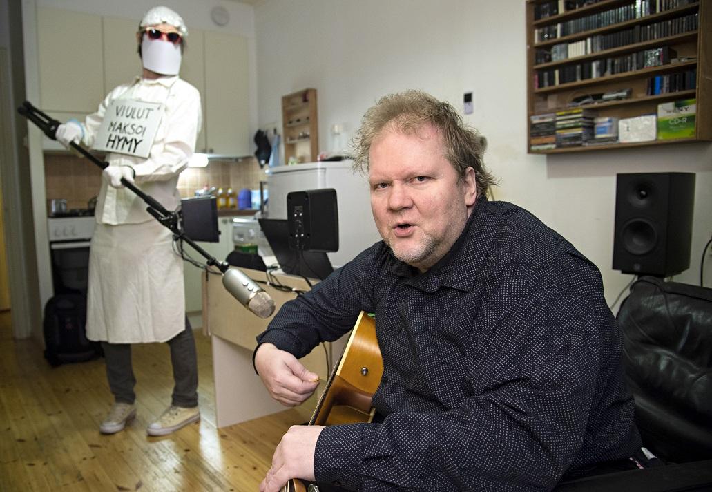 Sepi Kumpulaisen koronabiisin viulut maksoi Hymy.