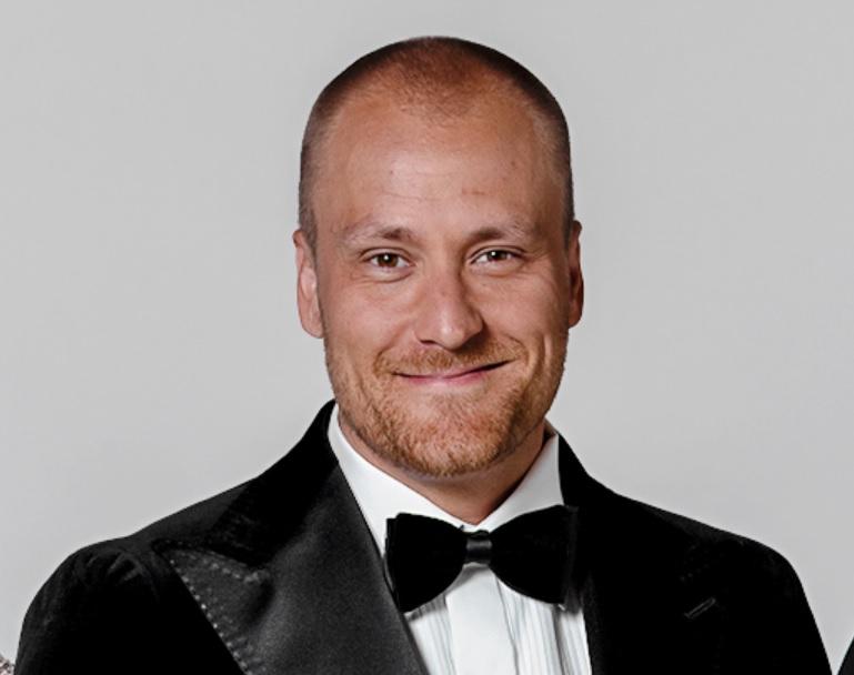 Heikki on juontanut Nelosen suosittua Tähdet, tähdet -ohjelmaa