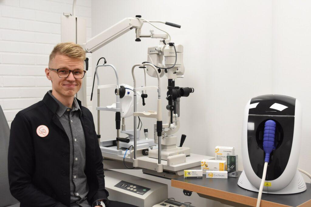 Artikkelin asiantuntijana optikkoketju Synsamin johtava optikko Jyri Vestervik.