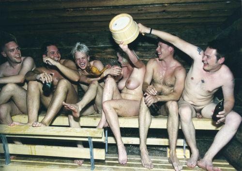 alaston videot hymy lehti gay alastonkuvat