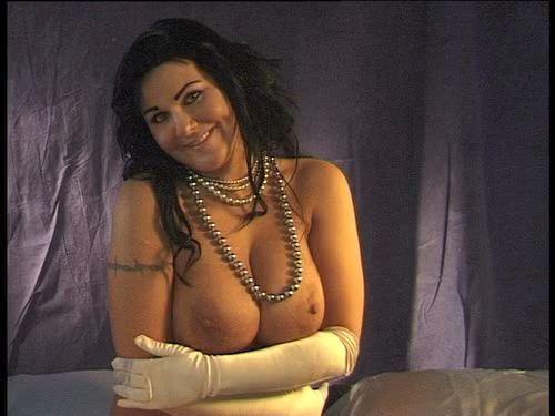 bb janita alasti vähäpukeisia naisia